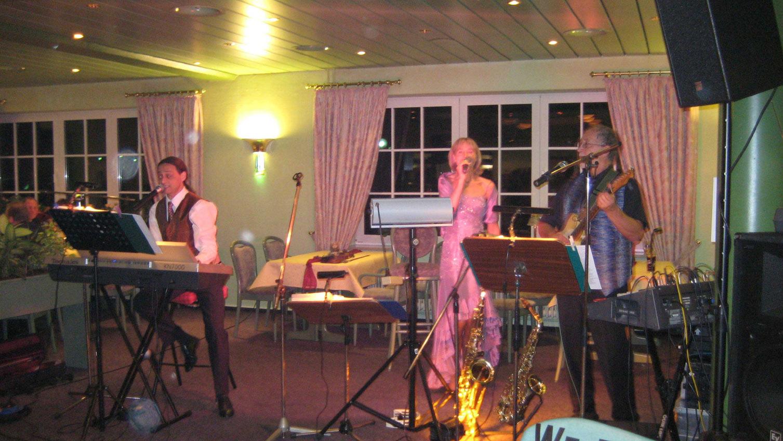Tanzmusik Hochzeit Band Silberhochzeit Musik Hochzeitsfeier Liveband
